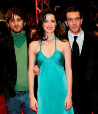 Raul Arevalo, Maria Ruiz and Antonio Banderas at the premiere of