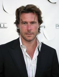 Dean McDermott at the Much Love Animal Rescues Bow Wow Ciao Benefit.
