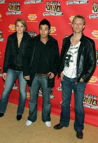 Nelson Lee, Neil Jackson and Guest at the 4th Annual Spike TV 2006 Video Game Awards.