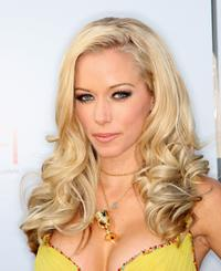 Kendra Wilkinson at the 36th AFI Life Achievement Award tribute to Warren Beatty.