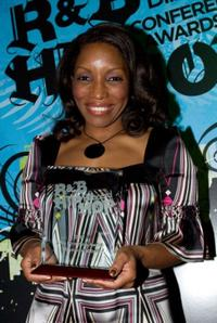 Stephanie Mills at the 2007 Billboard R and B Hip Hop Awards show.