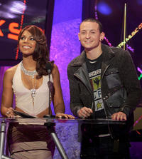 Singer Ashanti and Chester Bennington at the 32nd Annual American Music Awards in California.