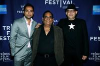 Abhay Deol, Satish Kaushik and Dev Benegal at the premiere of