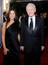 Stella Arroyave and Anthony Hopkins at the 15th Annual Screen Actors Guild Awards.