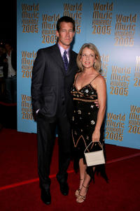 James Denton and Erin O'Brien at the 2005 World Music Awards.