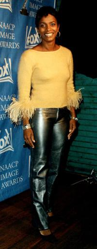 Vanessa Bell at the 33rd NAACP Image Awards.