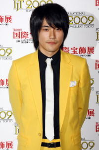 Kenichi Matsuyama at the 20th Japan Best Jewellery Wearer Awards.
