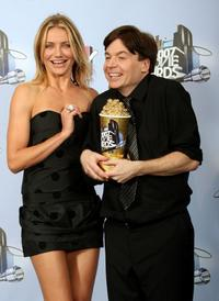 Mike Myers and Cameron Diaz at the 2007 MTV Movie Awards.
