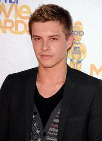 Xavier Samuel at the 2010 MTV Movie Awards.