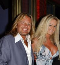 Vince Neil and his wife at the VH1 Divas Las Vegas Party.