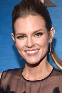 Chelsey Crisp at the 2017 Writers Guild Awards L.A. Ceremony.