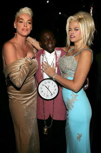 Brigitte Nielsen, rapper Flavor Flav and Anna Nicole Smith at the VH1 Big in 04.