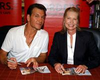 Patrick Swayze and Lisa Niemi at the signing copies of
