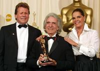 Ryan O'Neal, Ali MacGraw and Arthur Hiller at the 74th Academy Awards.