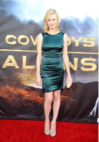 Yvonne Strahovski at the premiere of