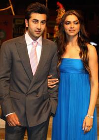 Ranbir Kapoor and Deepika Padukone at the International Indian Film Academy (IIFA) Awards 2008 ceremony.