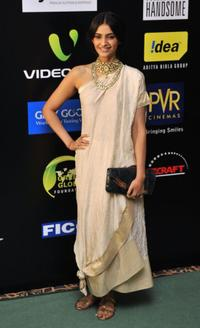 Sonam Kapoor at the 2009 International Indian Film Academy Awards.