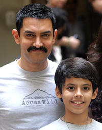 Aamir Khan and Darsheel Safary at the promotional event of
