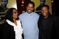 Pauletta Parson, Denzel Washington and Denzel Whitaker at the premiere of