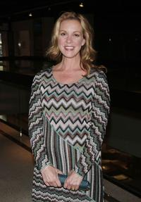 Elizabeth Perkins at the premiere of