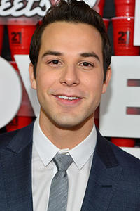 Skylar Astin at the California premiere of