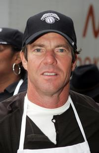 Dennis Quaid at the Thanksgiving dinner at FoodChange Community Kitchen.