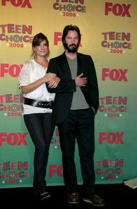 Keanu Reeves and Sandra Bullock at the press room at the 8th Annual Teen Choice Awards.