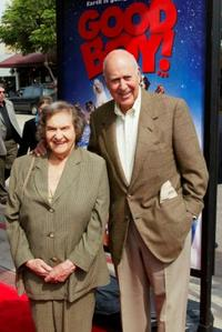 Estelle Reiner and her husband Carl Reiner at the premiere of