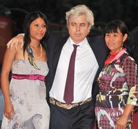 Eliane Juca Da Silva, Marco Bechis and Alicelia Batista Cabreira at the premiere of
