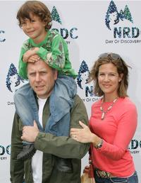 Paul Reiser, wife Paula and his son Leon at the Natural Resource Defense Council's Day of Discovery.