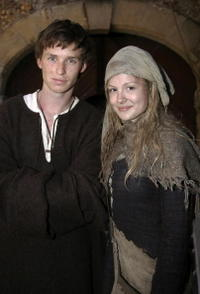 Eddie Redmayne and Kimberley Nixon on the set of
