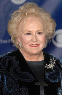 Doris Roberts at the 32nd Annual People's Choice Awards.