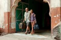 Richard Jenkins as Richard from Texas and Julia Roberts as Liz Gilbert in
