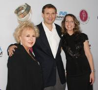 Doris Roberts, Phil Rosenthal and Monica Rosenthal at the International Myeloma Foundation's Second Annual Comedy Celebration.