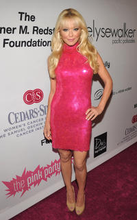 Charlotte Ross at the Elyse Walker Presents Pink party to Benefit Cedars-Sinai Women's Cancer Program in California.