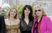 Gena Rowlands, Miranda Richardson and Juliette Binoche at the photocall for film