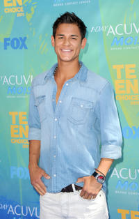 Bronson Pelletier at the 2011 Teen Choice Awards.