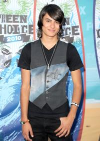 Kiowa Gordon at the 2010 Teen Choice Awards.