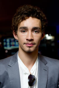 Robert Sheehan at the London premiere of