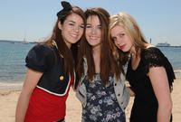 Jade Ramsey, Nikita Ramsey and Amanda Bauer at the photocall of