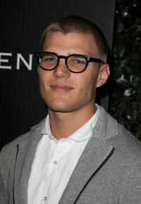 Chris Zylka at the Audi And J. Mendel Celebrate the 2011 Golden Globe Awards.