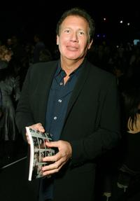 Garry Shandling at the Jennifer Nicholson Spring 2007 fashion show during the Mercedes Benz Fashion Week.