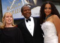 Joanna Shimkus, Sidney Poitier and Sydney Tamiia Poitier at the 74th Annual Academy Awards.
