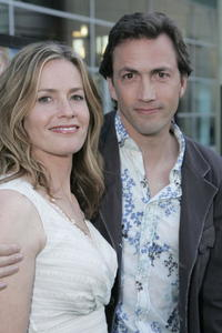 Elisabeth Shue and Andrew Shue at the premiere of