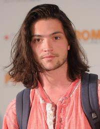 Thomas McDonell at the autograph signing by the cast of