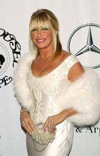 Suzanne Somers at the 16th Carousel of Hope presented by Mercedes-Benz benefiting the Barbara Davis Center for Childhood Diabetes.