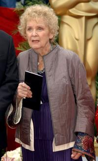 Gloria Stuart at the 74th Annual Academy Awards.