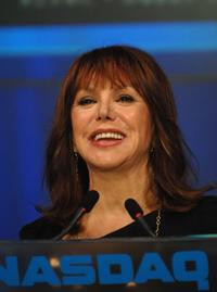 Marlo Thomas closes the NASDAQ for St. Jude Children's Research Hospital.