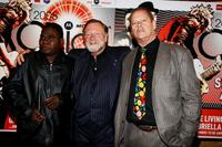 Geoffrey Gurrumul Yunupingu, Jack Thompson and Bruce Beresford at the 2008 ARIA Fine Arts Awards.