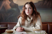Alice Englert in